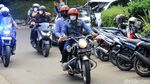 Momen AHY-Ridwan Kamil Boncengan Naik Motor di Bandung