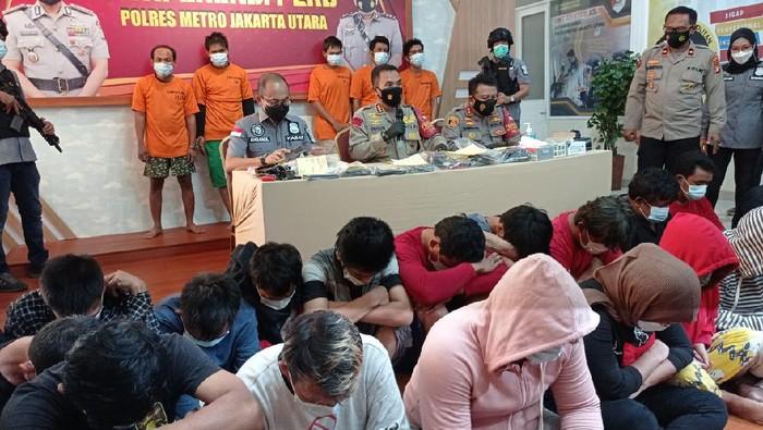 Puluhan orang warga Kampung Bahari ditangkap pesta sabu saat family gathering di Puncak