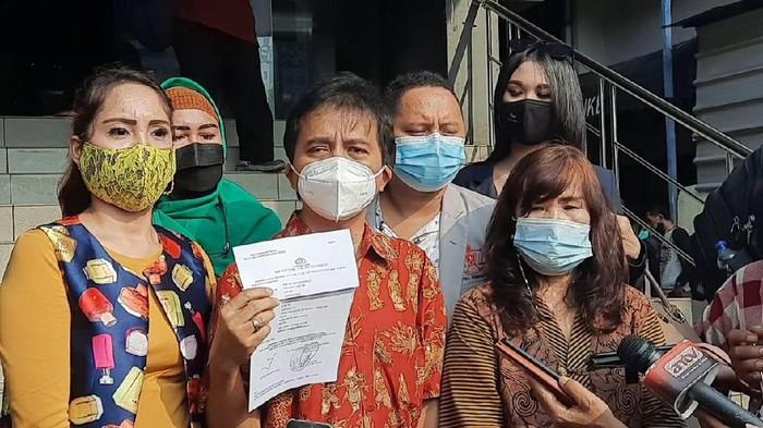 Roy Suryo laporkan Eko Kunthadi dan Mazdjo Pray ke Polda Metro Jaya