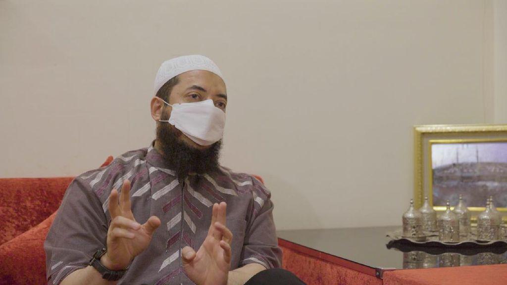 Selain Berdakwah, Ustaz Khalid Basalamah Pernah Belajar Masak