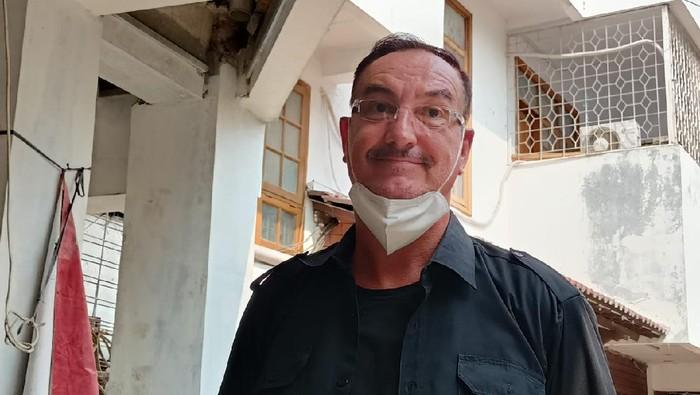 Nick PAnders (57), WN Belanda Buka Suara soal Tuduhan Penyerobotan Lahan Tetangga di Jakbar, Jumat (4/6/2021).