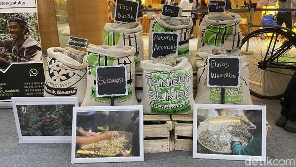 Selain bisa menikmati beragam jenis kopi, dalam acara ini pengunjung juga bisa belajar tentang kopi.