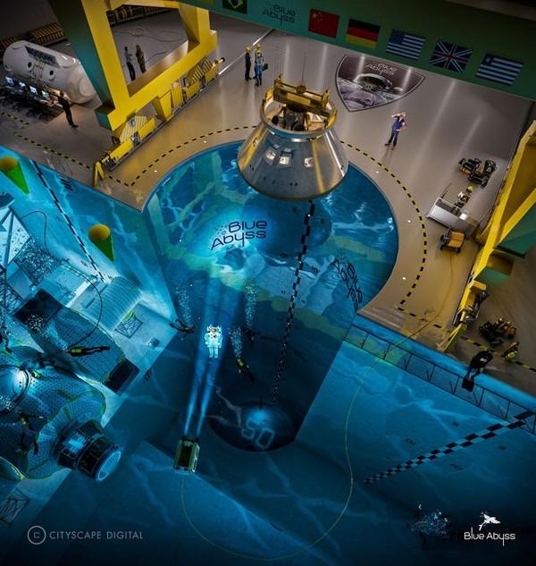 Fasilitas ini dibangun senilai 150 juta pound sterling atau sekitar Rp 3 miliar.(Blue Abyss)