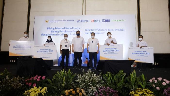 Dialog seru bersama Menteri Koordinator Bidang Perekonomian RI dengan Penerima Kartu Prakerja di Bandung.