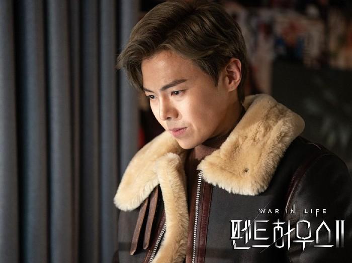 Park Eun Seok di The Penthouse 2