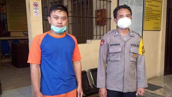 Perawat RSUD Jombang dipenjara gara-gara 6 kali menyetubuhi seorang siswi SMA hingga hamil dan keguguran. Ternyata, tersangka pernah bertunangan dengan korban.