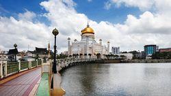 Brunei Darussalam: Ibu Kota, Mata Uang, dan Iklimnya