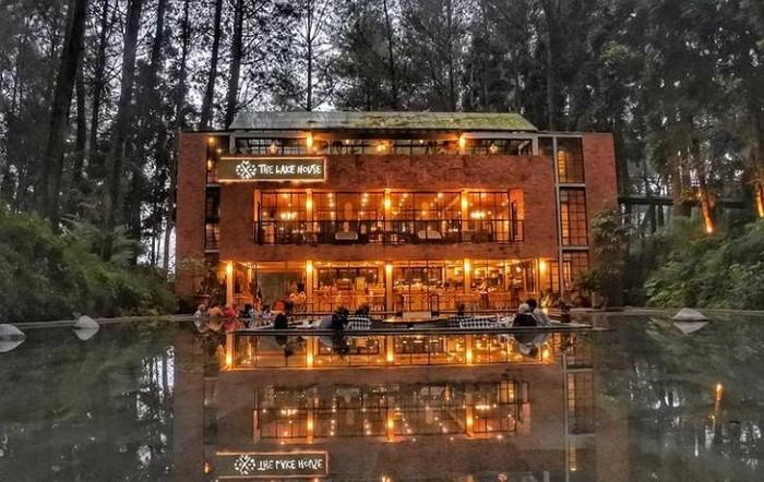 5 Rekomendasi Kafe di Puncak dengan Pemandangan Kebun hingga Sawah yang Keren