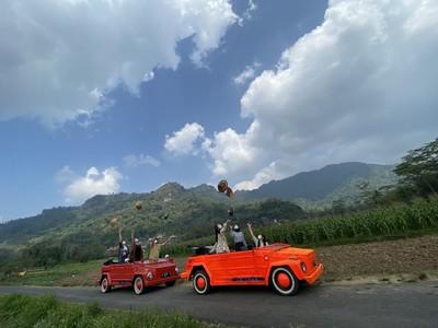 Asyiknya Keliling Desa Wisata di Magelang Naik VW Safari