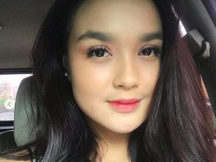Hanna Kirana adalah pengganti Lea Ciarachel di sinetron Suara Hati: Zahra