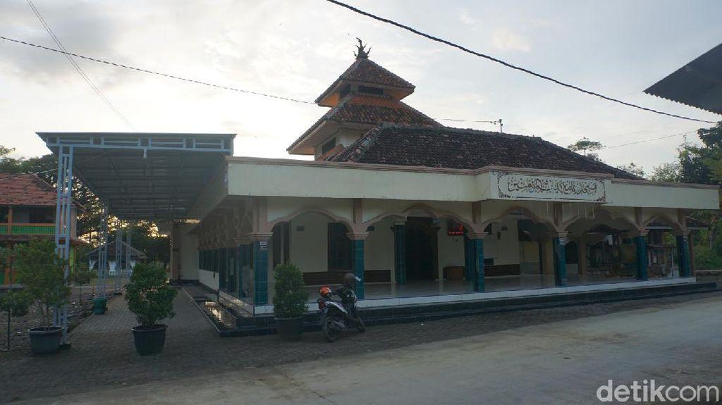 Sejarah Masjid Grogol Demak, Mustaka Dipercaya Mengarah Daerah Bencana