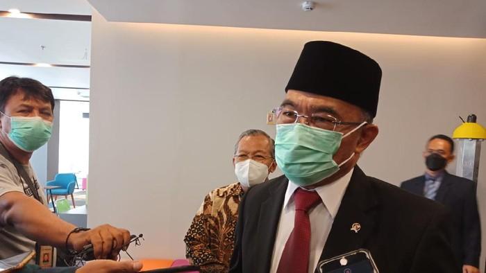 Menko PMK Muhadjir Effendy di Universitas Gunadarma, Depok, Jawa Barat, Minggu (6/6/2021).