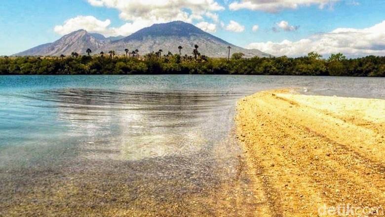 Pantai Sejile, Pantai Pasir Putih Tersembunyi di Situbondo