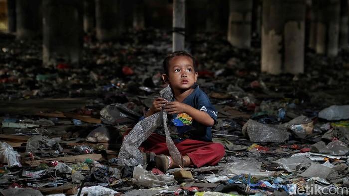 Fotografer detikcom, Pradita Utama merangkum kisah perjalanan panjang menggapai kesejahteraan anak di Ibu Kota dalam bingkai foto.