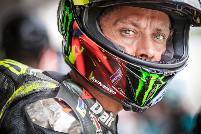 Valentino Rossi Terjatuh di Sesi Kualifikasi MotoGP Catalunya, Sabtu (6/6/21)