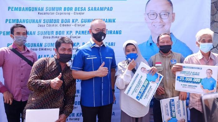 Ketersediaan air bersih menjadi masalah utama warga Cianjur Selatan yang mendesak diselesaikan.