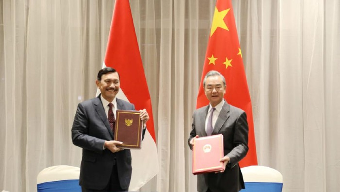 Luhut bersama Menteri Luar Negeri China Wang Yi
