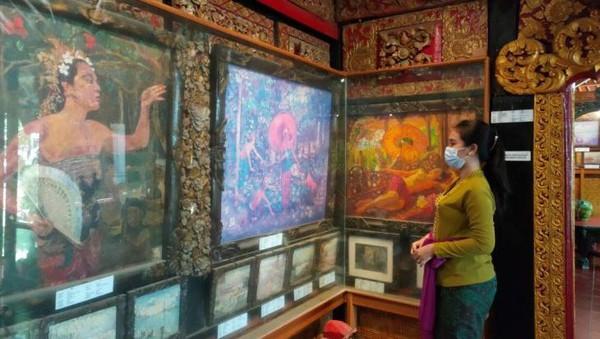 Si jiwa kreatif Pisces bisa mengunjungi Museum La Mayeur. Kamu akan menemukan galeri seni karya pelukis asal Belgia, Le Mayeur de Mepres. (Rhisma/Antara)