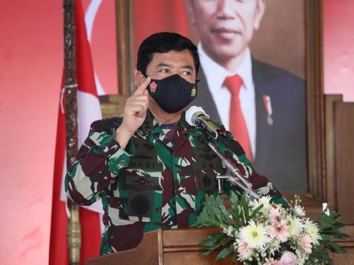 Panglima TNI Hadi Tjahjanto saat beri arahan terkait lonjakan kasus Corona di Kudus