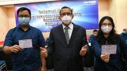 Pelaksanaan vaksinasi Gotong-Royong terus dikebut. Salah satunya adalah perbankan ini yang melibatkan pegawai-keluarganya se-Jabotabek guna mendukung pemerintah
