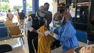Tim Gabungan Polres Bima Kota Tes Swab Acak Penumpang Terminal Dara