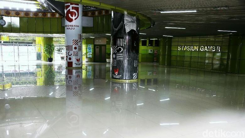 Stasiun Gambir mendapat pujian dari netizen India. Selain Gambir, Indonesia juga memililki setasiun keran lainnya.