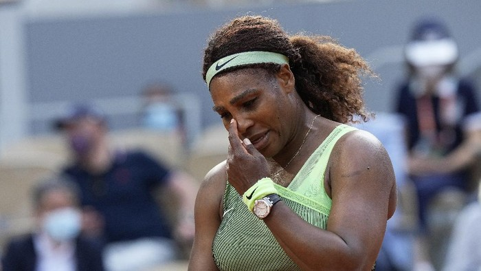 United States Serena Williams reacts after missing a shot as she plays against Kazakhstans Elena Rybakina during their fourth round match on day 8, of the French Open tennis tournament at Roland Garros in Paris, France, Sunday, June 6, 2021. (AP Photo/Michel Euler)