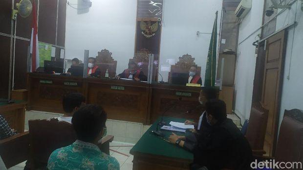 Sidang kasus kebakaran gedung Kejagung dengan agenda pembacaan duplik (Luqman Arun/detikcom)