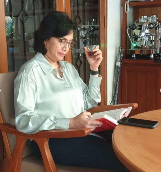 Sri Mulyani Menikmati Kopi Anaerob Spesial Buatan Barista Pribadi