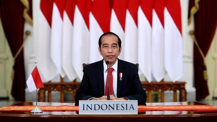 Presiden Jokowi memberi arahan soal sekolah tatap muka terbatas Juli mendatang.