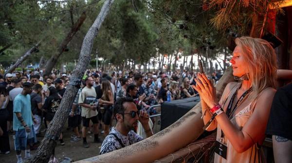 Festival musik ini menampilkan 50 musisi internasional dan lokal. AP Photo/Visar Kryeziu