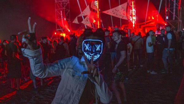 Penyelenggara berhasil menjual 10.000 tiket untuk festival yang berlangsung pada 3-7 Juni. AP Photo/Visar Kryeziu