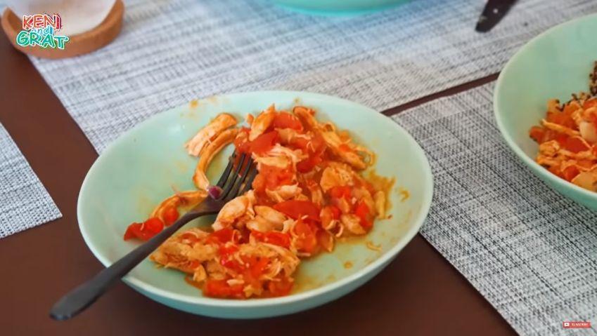 Cinta Laura Masak Makanan Sehat