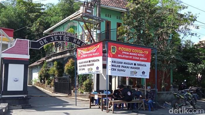Klaster Corona dipicu warga pulang dari Kudus di Desa Tijayan Kecamatan Manisrenggo, Klaten, Selasa (8/6/2021).