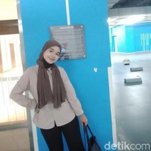 Viral Curhat Wanita Terpaksa Lepas Hijab Saat Kerja karena Tuntutan Kantor