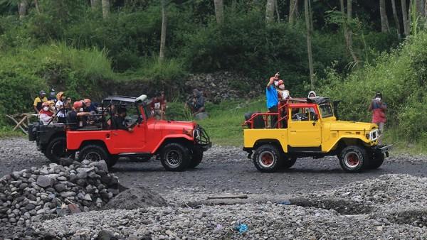 Desa Wisata Pentingsari, Sleman, terletak berada di lereng Gunung Merapi, berjarak kurang lebih 22,5 kilo meter dari pusat Kota Yogyakarta.
