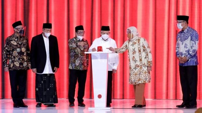 Wakil Presiden Maruf Amin berkunjung ke Tasikmalaya. Dalam kunjungannya, Maruf resmikan 1.014 Balai Latihan Kerja (BLK) Komunitas di Pondok Pesantren Cipasung