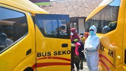 Kabupaten Kudus menjadi daerah penyebaran COVID-19 tertinggi di Jawa Tengah. Pasien OTG dari Kudus bahkan dievakuasi ke Asrama Haji Donohudan, Boyolali.
