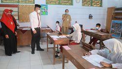 Pastikan PTM Sesuai Prokes, Bupati Kebumen Monitoring ke Sekolah