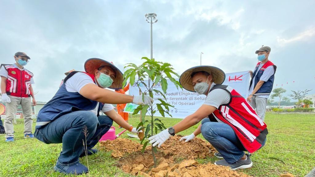 Hari Lingkungan Hidup, Hutama Karya Tanam 1.000 Pohon di Jalan Tol