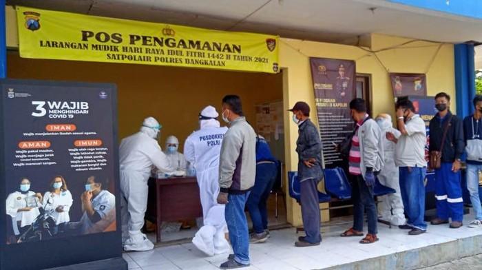 Penumpang Kapal Fery ke Surabaya jalani swab antigen