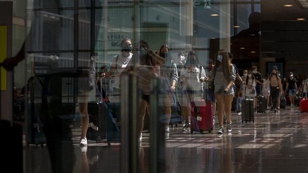 Masuknya pengunjung diharapkan dalap merevitalisasi sektor pariwisata Spanyol yang telah terpukul pandemi COVID-19. AP Photo/Emilio Morenatti