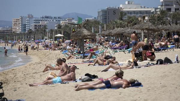 Namun kebijakan ini sepertinya belum dapat meningkatkan kunjungan turis dari Inggris, yang merupakan sumber wisatawan terbesar bagi Spanyol. AP Photo/Francisco Ubilla