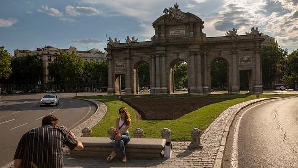 Pemerintah Spanyol telah menetapkan target untuk mendatangkan 45 juta wisatawan pada akhir tahun. Pablo Blazquez Dominguez/Getty Images