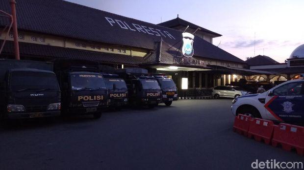 Suasana Mapolresta Yogyakarta berangsur normal setelah pria bergolok yang sempat mengamuk berhasil diamankan, Selasa (8/6/2021).
