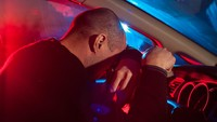 Most Pop Sepekan: Tangis Seorang Driver yang Diberi Uang Tip Rp 16 Ribu
