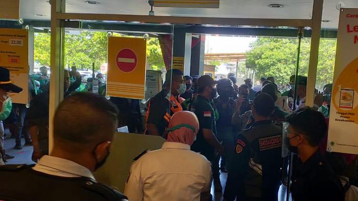 Antrean BTS Meal McD Sempat Picu Kerumunan di Surabaya