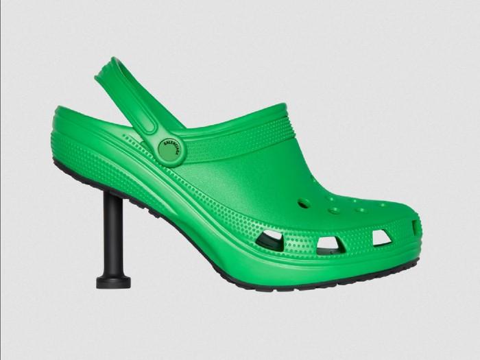 Balenciaga x Crocs.