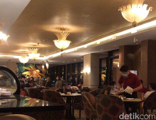 The Restaurant yang berada di kawasan The Trans Luxury Hotel Bandung menyediakan makan malam khusus di hari Jumat-Sabtu yang bertajuk Culinary Journey.