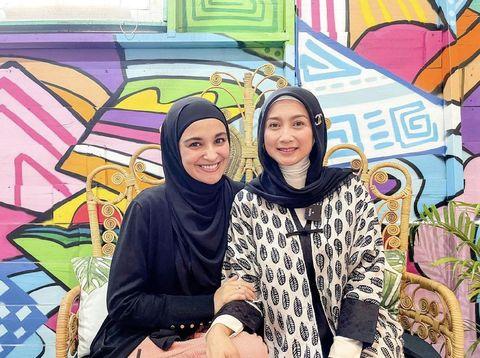 Foto Shireen Sungkar bersama dengan Desy Ratna Sari.